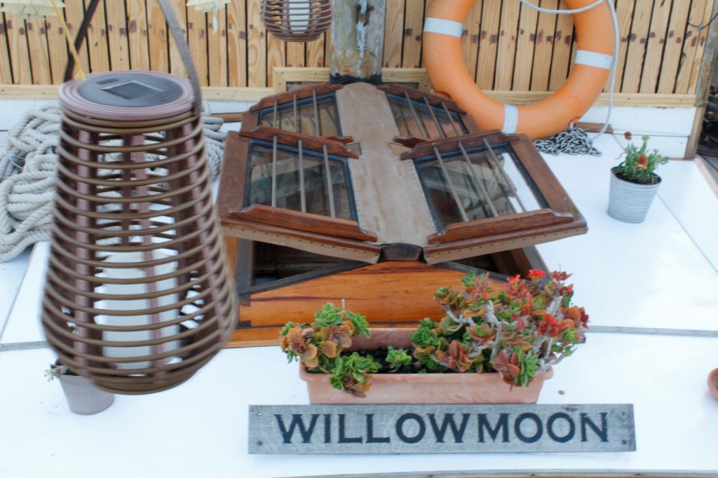 Willowmoon Bed and Breakfast Boat