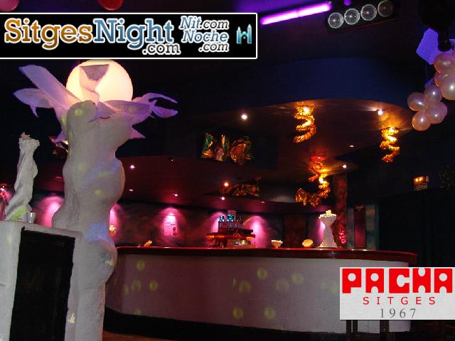 pacha sitges valpineda nightclub